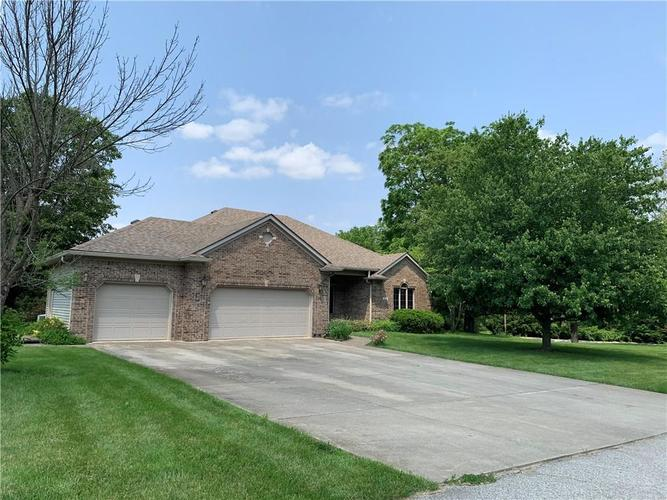 1020  Barrington Drive Greencastle, IN 46135 | MLS 21642038