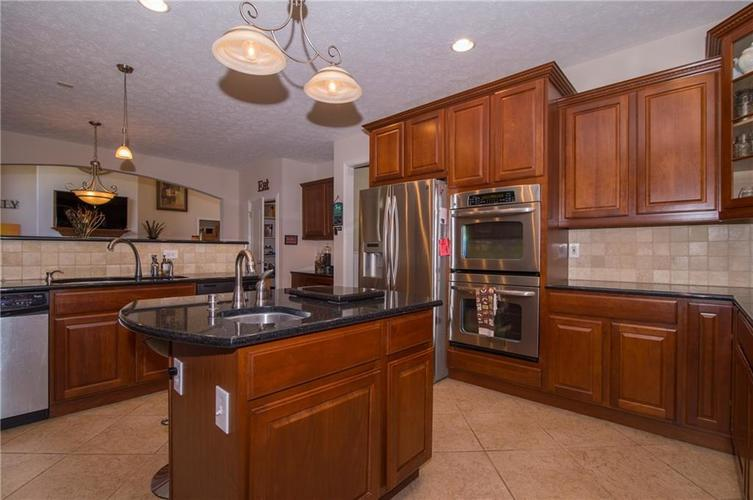 10812 Moors End Circle Fishers, IN 46038 | MLS 21642067 | photo 13