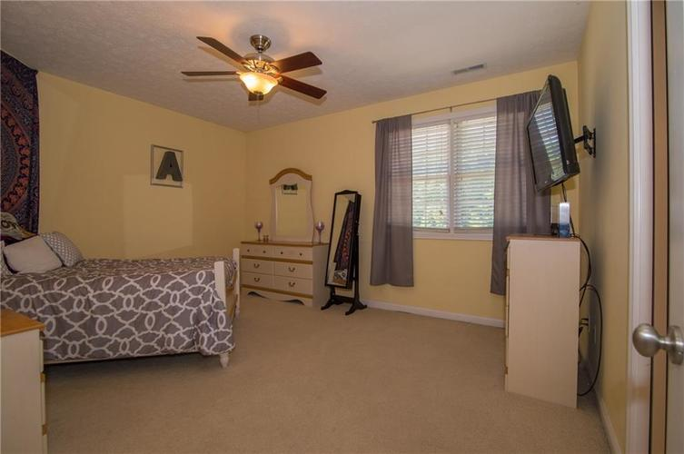10812 Moors End Circle Fishers, IN 46038 | MLS 21642067 | photo 30