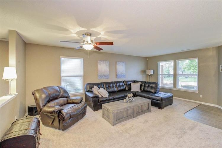 8637 LIBERTY MILLS Drive Camby, IN 46113 | MLS 21642098 | photo 5