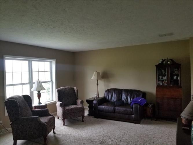 556 W 261st Street Sheridan, IN 46069 | MLS 21642197 | photo 2