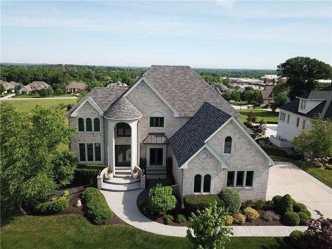 5074 Nottinghill Court Greenwood, IN 46143 | MLS 21642226 | photo 2