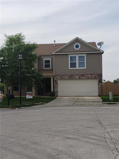 8204 Ossian Court Camby, IN 46113 | MLS 21642328 | photo 2
