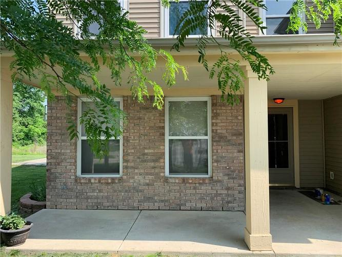 8204 Ossian Court Camby, IN 46113 | MLS 21642328 | photo 3