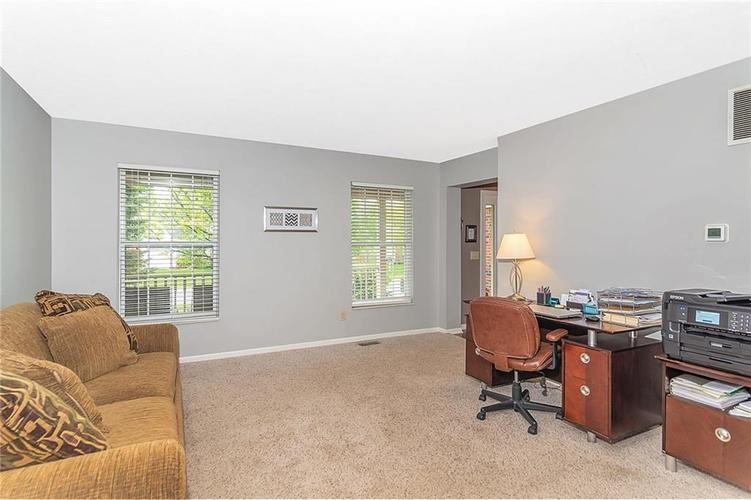 8333 GLEN HIGHLANDS Drive Indianapolis, IN 46236 | MLS 21642377 | photo 2