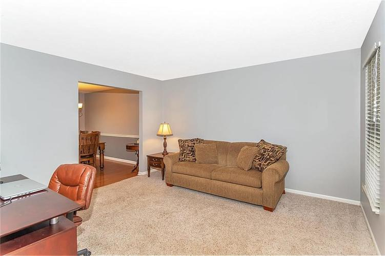8333 GLEN HIGHLANDS Drive Indianapolis, IN 46236 | MLS 21642377 | photo 3