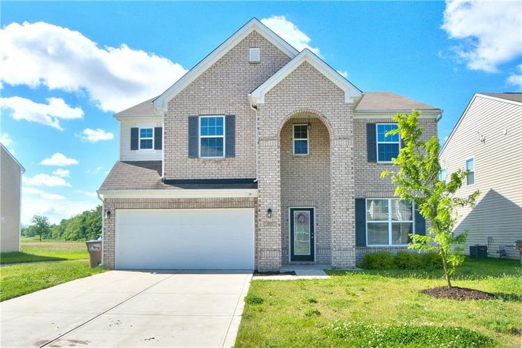 2071 Creek Bank Drive Columbus, IN 47201 | MLS 21642469 | photo 1
