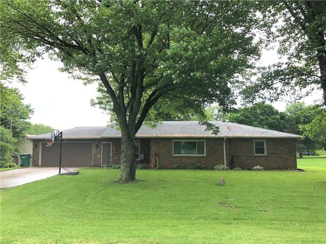 7453 S County Road 275 E Clayton, IN 46118   MLS 21642587   photo 1