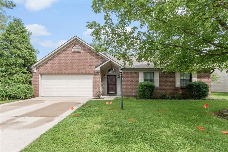 7239 N ORCHARD Drive Indianapolis, IN 46236 | MLS 21642655 | photo 1
