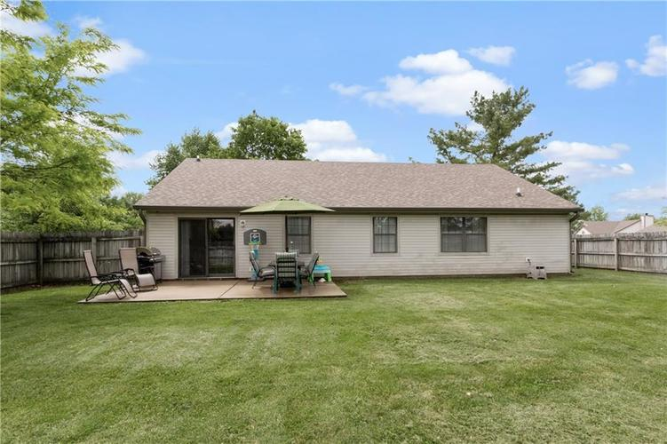 7239 N ORCHARD Drive Indianapolis, IN 46236 | MLS 21642655 | photo 2