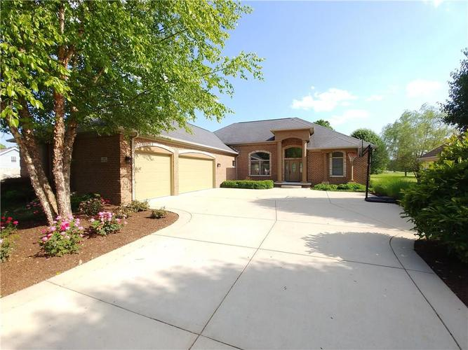 2135  Norwich Place Martinsville, IN 46151 | MLS 21642829