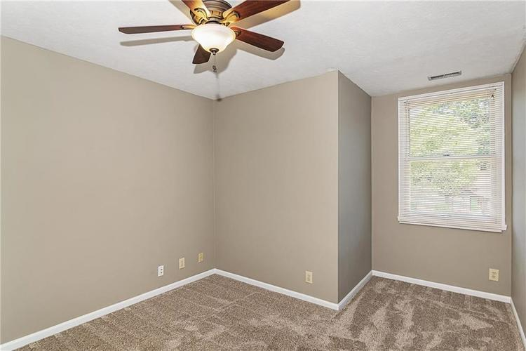 7678 Baywood Drive S Indianapolis, IN 46236 | MLS 21642964 | photo 25