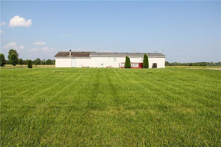 7302 S County Road 550 E Crothersville, IN 47229   MLS 21643272   photo 2