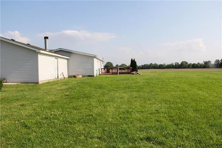 7302 S County Road 550 E Crothersville, IN 47229   MLS 21643272   photo 3