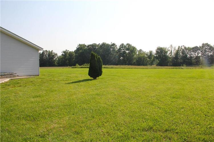 7302 S County Road 550 E Crothersville, IN 47229   MLS 21643272   photo 4