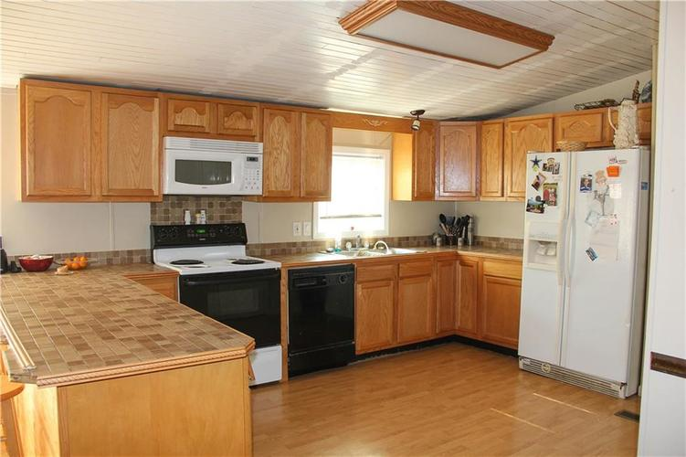 7302 S County Road 550 E Crothersville, IN 47229   MLS 21643272   photo 5
