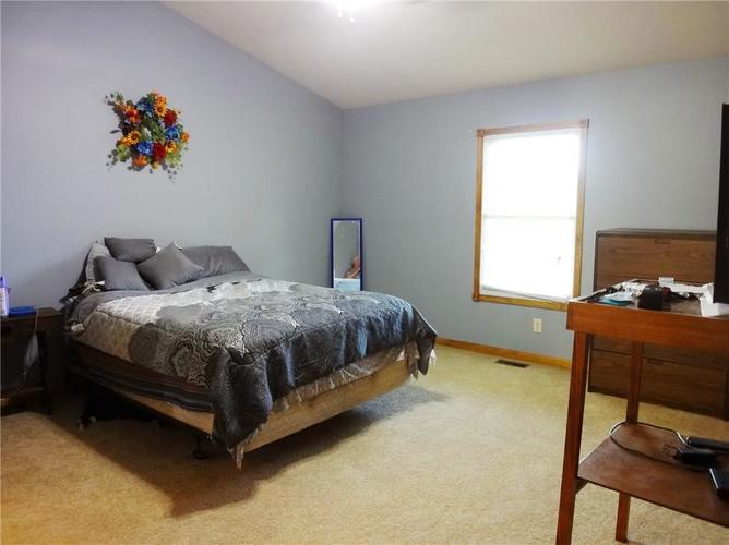 1720 E County Road 25 N North Vernon, IN 47265 | MLS 21643309 | photo 11