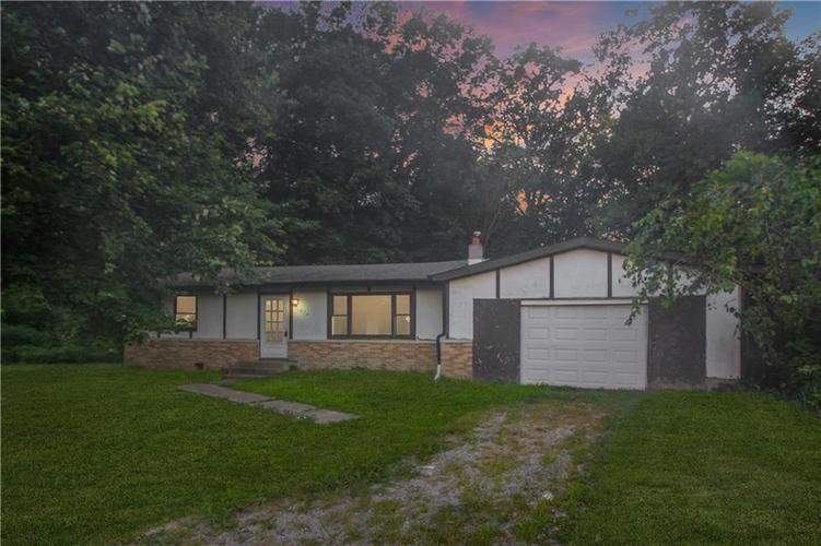 1034 W Dupont Drive S Martinsville, IN 46151 | MLS 21643332 | photo 1