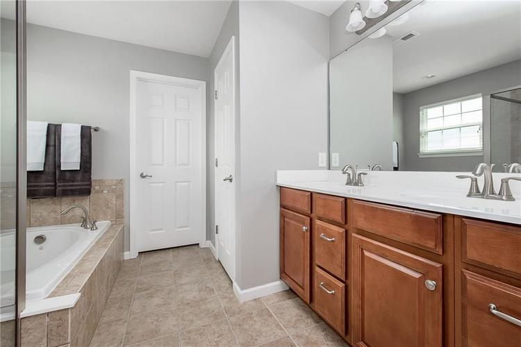 6797 Branches Drive Brownsburg, IN 46112 | MLS 21643473 | photo 21