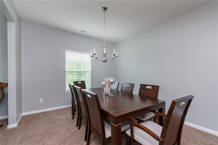 6797 Branches Drive Brownsburg, IN 46112 | MLS 21643473 | photo 6