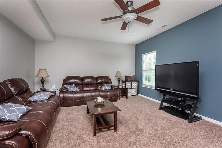 6797 Branches Drive Brownsburg, IN 46112 | MLS 21643473 | photo 8