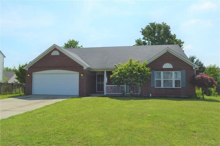 2905 FOXBRIAR Place Indianapolis, IN 46203 | MLS 21643536 | photo 1