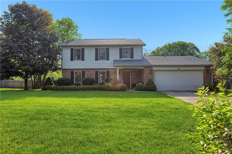 15  Village Place Zionsville, IN 46077 | MLS 21643760