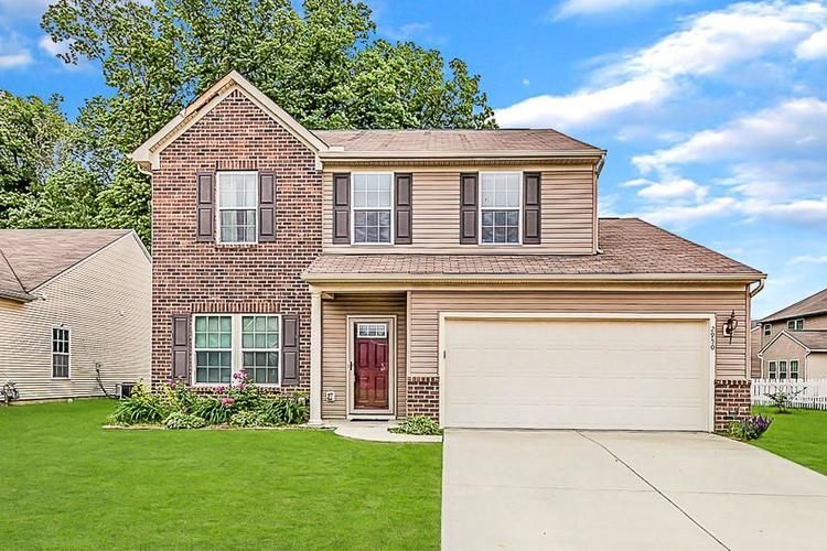 2950  Treehouse Pass Greenwood, IN 46143 | MLS 21643761