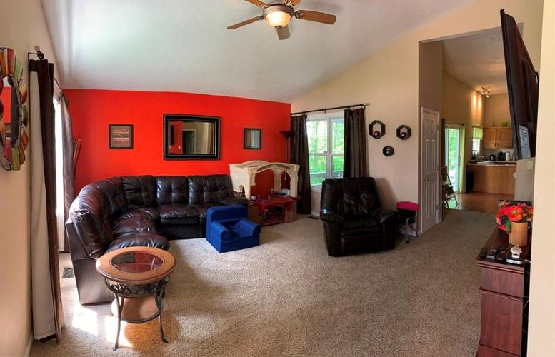 3018 FOXFIRE Circle Indianapolis, IN 46214 | MLS 21643779 | photo 2