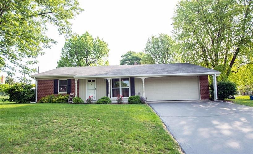 1530 N FENWICK Court Indianapolis, IN 46219 | MLS 21643980 | photo 1