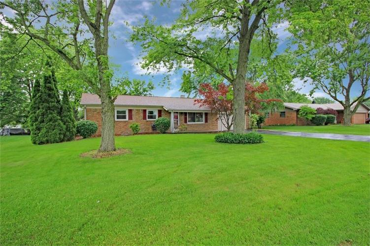 6303 Mills Road Indianapolis, IN 46221 | MLS 21644024 | photo 2