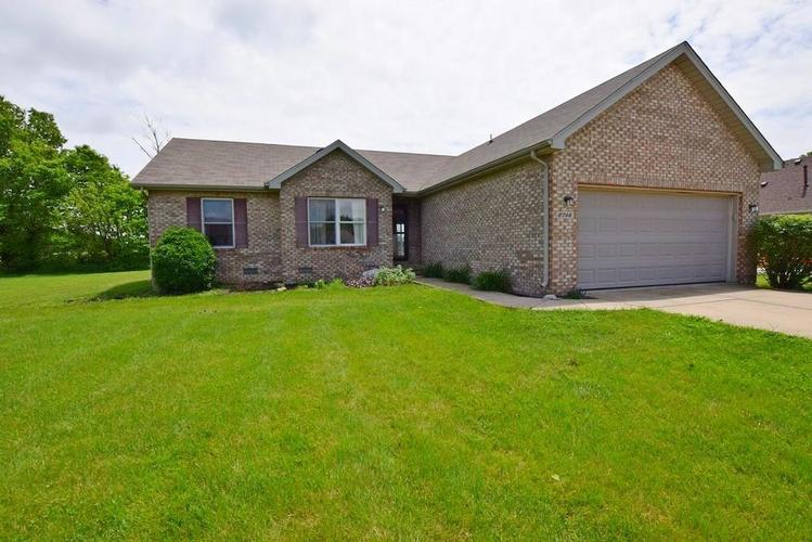 6746 KNOLL CREST Pendleton, IN 46064 | MLS 21644092 | photo 1