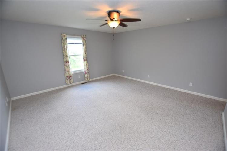 6746 KNOLL CREST Pendleton, IN 46064 | MLS 21644092 | photo 15