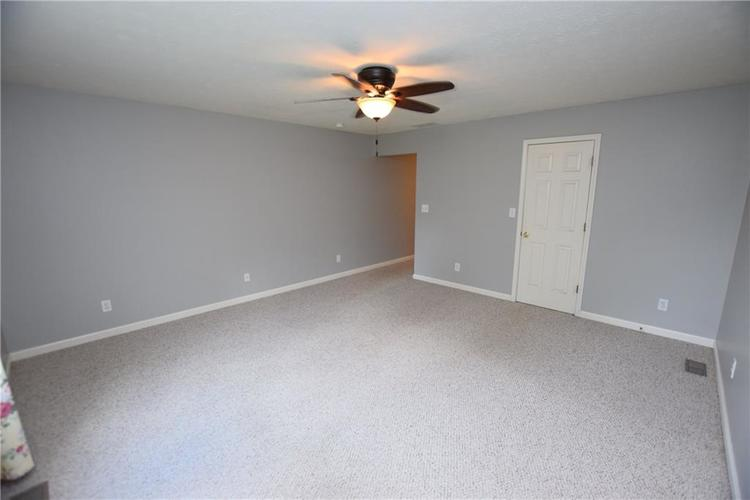 6746 KNOLL CREST Pendleton, IN 46064 | MLS 21644092 | photo 16