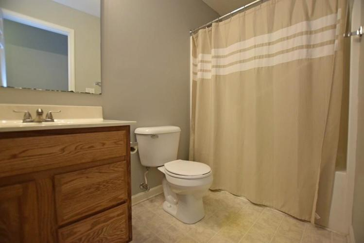 6746 KNOLL CREST Pendleton, IN 46064 | MLS 21644092 | photo 21