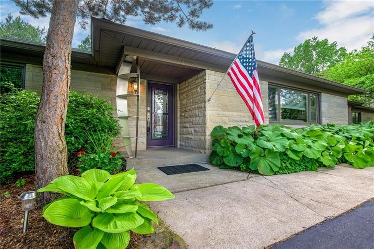 7570  Holliday Drive Indianapolis, IN 46260 | MLS 21644156