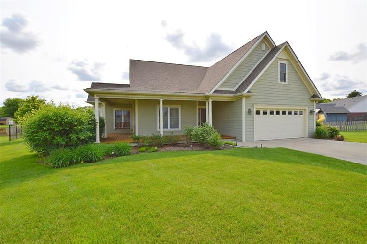 6921 S KNOLL CREST Pendleton, IN 46064 | MLS 21644232 | photo 1