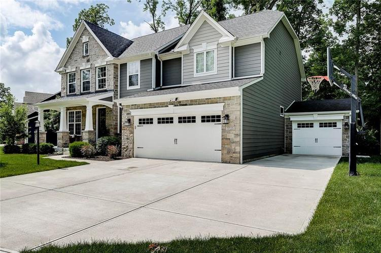 5723 Peaking Fox Drive Indianapolis, IN 46237 | MLS 21644311 | photo 2