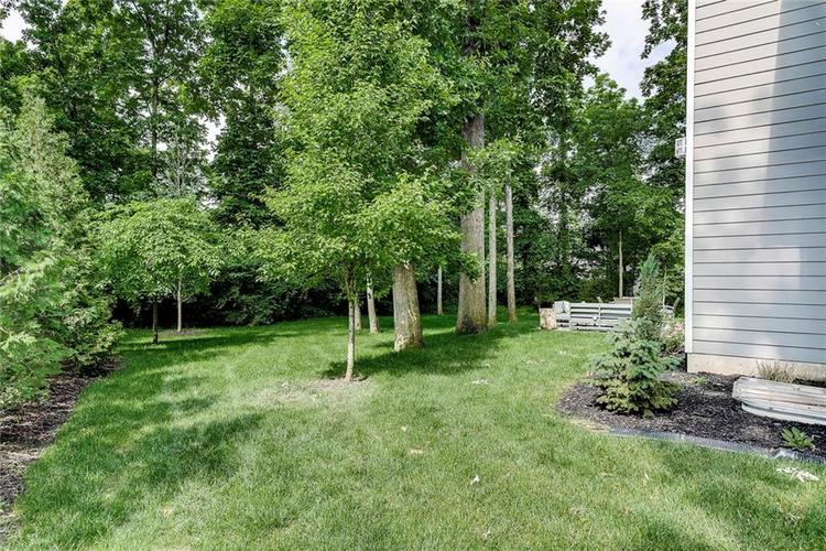 5723 Peaking Fox Drive Indianapolis, IN 46237 | MLS 21644311 | photo 5
