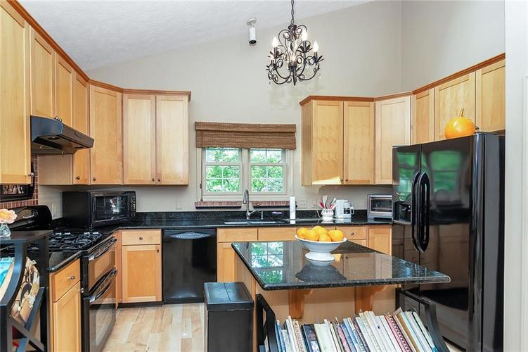 1350 Monmouth Drive Westfield, IN 46074 | MLS 21644329 | photo 12