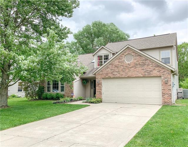 557 Buffalo Run Drive Indianapolis IN 46227 | MLS 21644367 | photo 1
