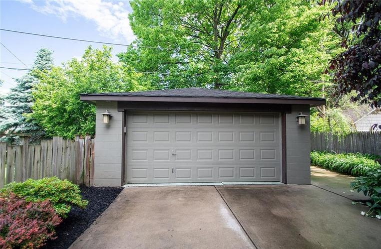 410 E 37th Street Indianapolis, IN 46205 | MLS 21644423 | photo 5