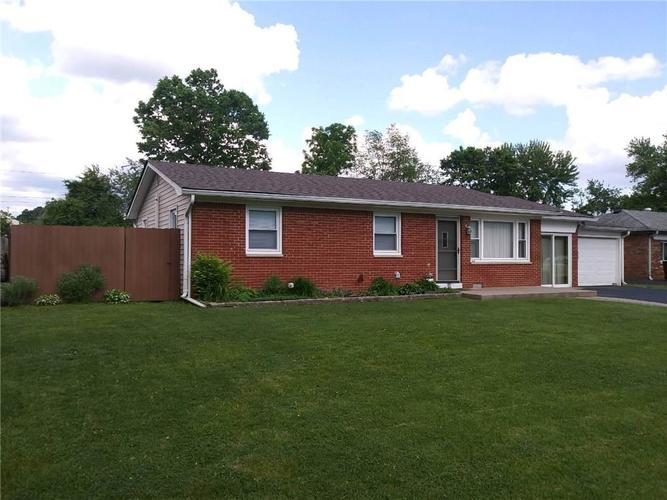 4401 Stuart Drive Brownsburg, IN 46112 | MLS 21644442 | photo 1