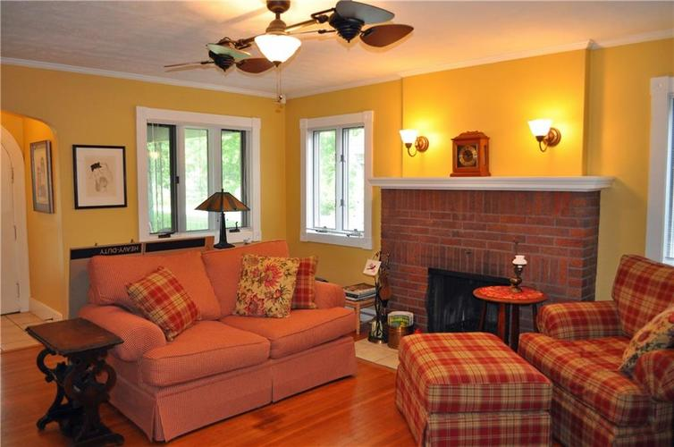 6043 Kingsley Drive Indianapolis, IN 46220 | MLS 21644498 | photo 2