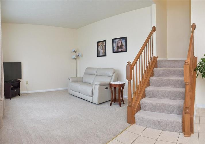 5266 Hickory Lake Drive Indianapolis, IN 46235 | MLS 21644525 | photo 5