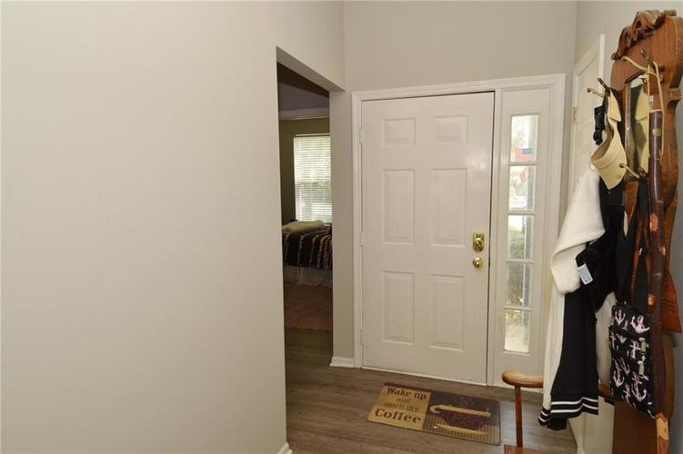 10160 Canal Way Noblesville, IN 46060 | MLS 21644610 | photo 2