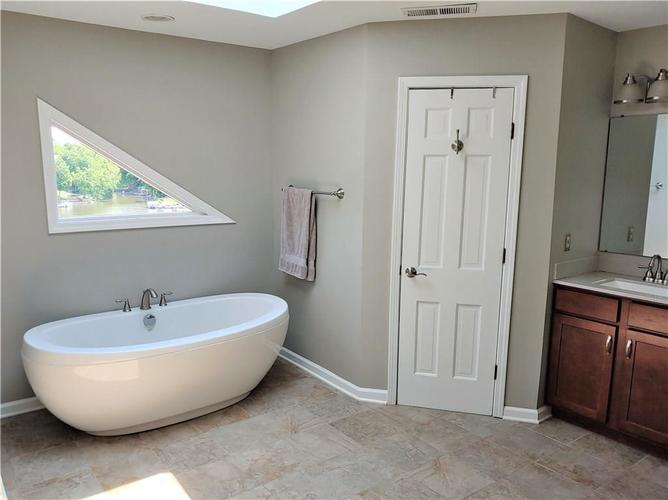 11114 Outrigger Court Indianapolis, IN 46236 | MLS 21644690 | photo 20