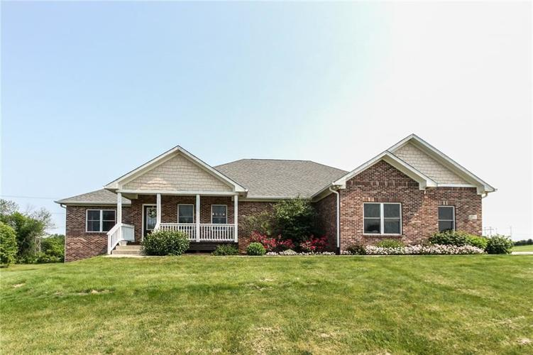 8358 Haggard Drive Martinsville, IN 46151 | MLS 21644704 | photo 1