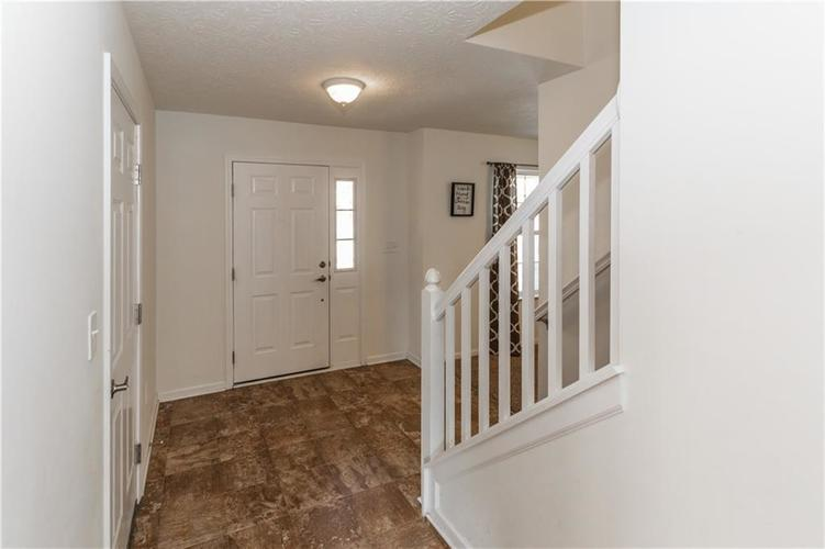 2511 SUNGOLD Trail Greenwood, IN 46143 | MLS 21644909 | photo 3