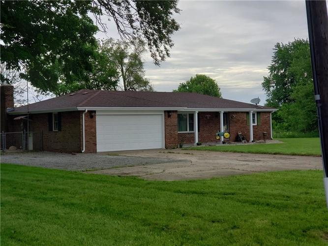 4262 E 400 N Anderson, IN 46012 | MLS 21644956 | photo 2